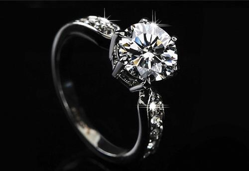 鉴定钻石应避免的七个问题