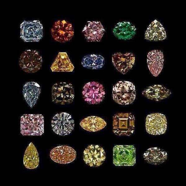 精致绝美的褐色钻石