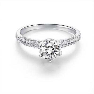 买钻石的戒托,是买18k金的好还是铂金的好?