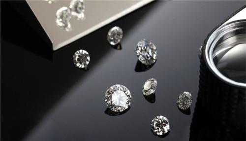钻石颜色等级中K、L分别是什么颜色?哪个色比较好?