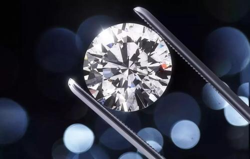 钻石颜色越白,价值就越高吗?