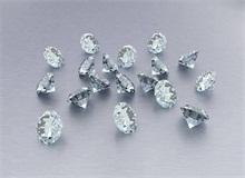 钻石等级和钻石价格之间的关系