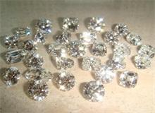 从颜色上来区分天然钻石和合成钻石