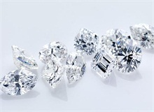质量对裸钻价格的影响  裸钻价格与裸钻质量的关系