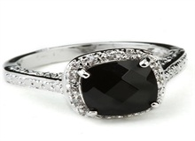 黑钻石戒指价格多少钱    黑钻石戒指比白钻石戒指贵吗