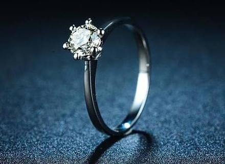 铂金钻石戒指款式大全 铂金钻石戒指款式欣赏